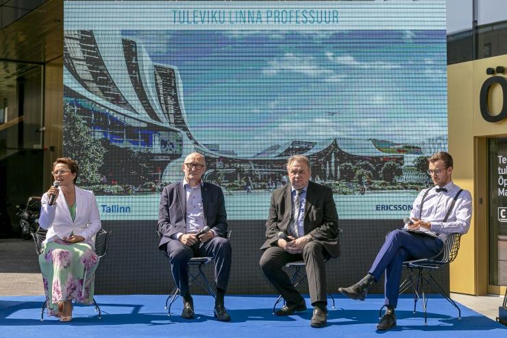 GALERII! Esimesed nutikad liiklusmärgid Ülemistel avasid uudse tuleviku linna professuuri