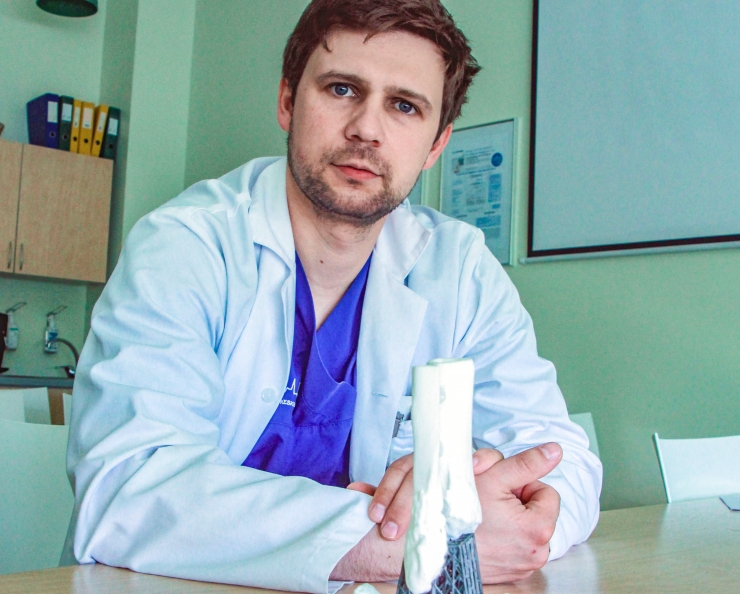 Arstid asendasid kontsluu 3D-prinditud implantaadiga