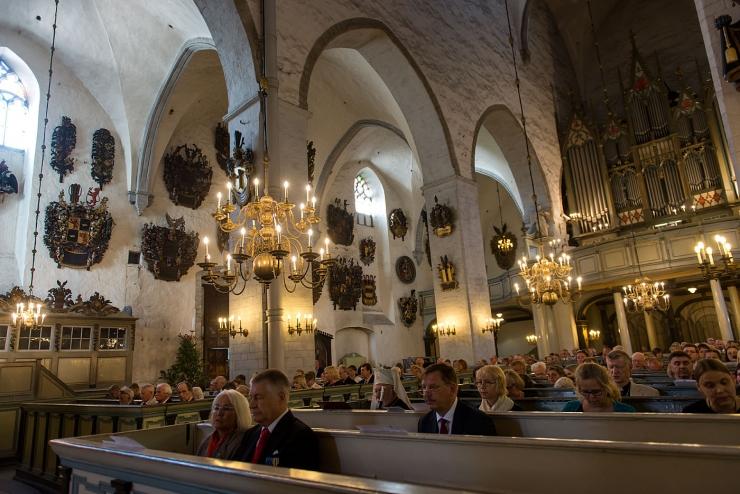 FOTOD! Kirik jagas tublimatele teenetemärke ja ordeneid