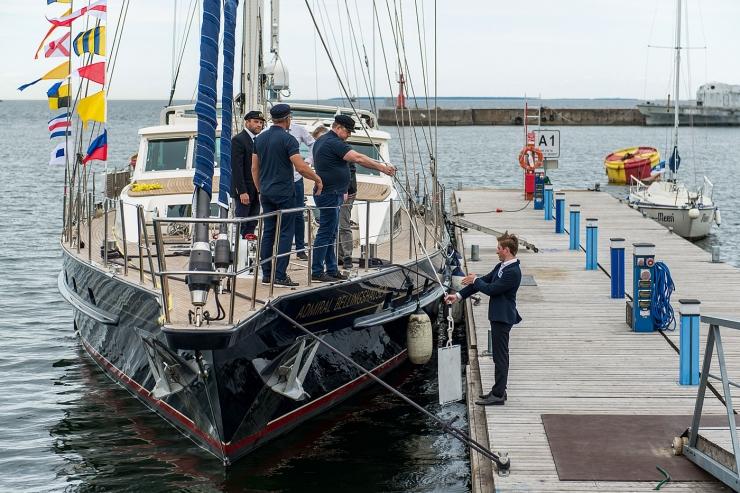 GALERII:  Ristiti Eesti Antarktika ekspeditsiooni jaht S/Y Admiral Bellingshausen