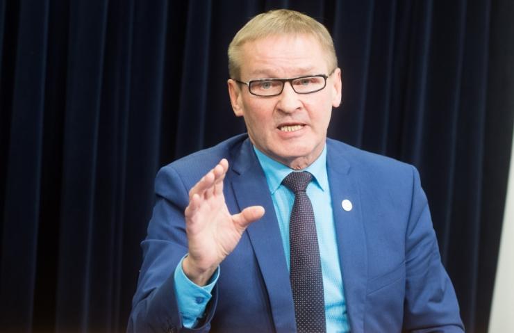 Aab: jätkub riigipalgaliste töökohtade Tallinnast väljaviimine