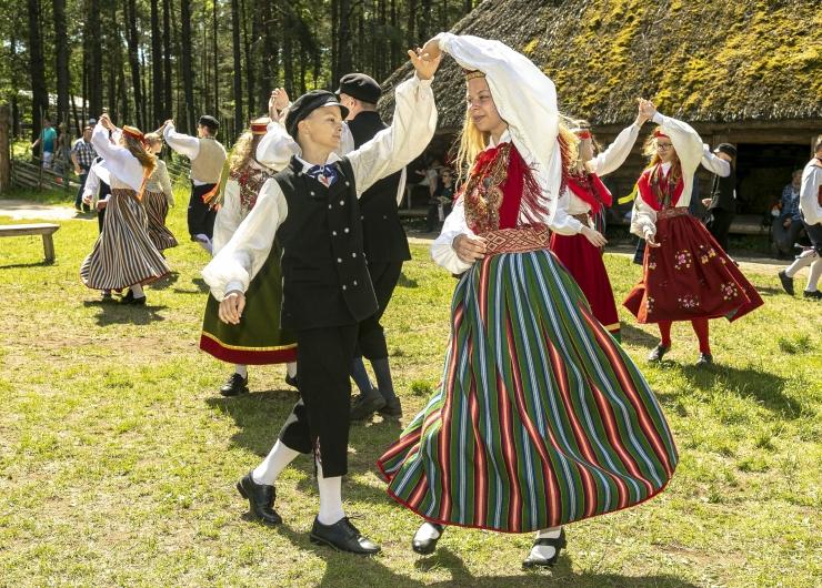 FOTOD! Leigarid Sassi-Jaanil Eesti Vabaõhumuuseumis