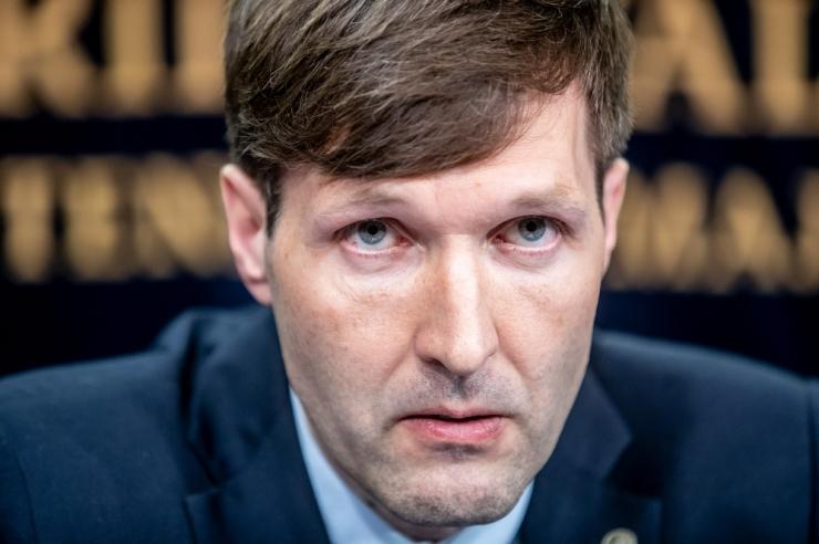 Helme: prokuratuur võitleb rahapesuga loiult