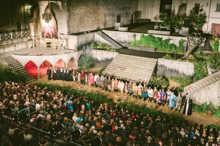 Tallinna Linnateater lõpetab hooaja