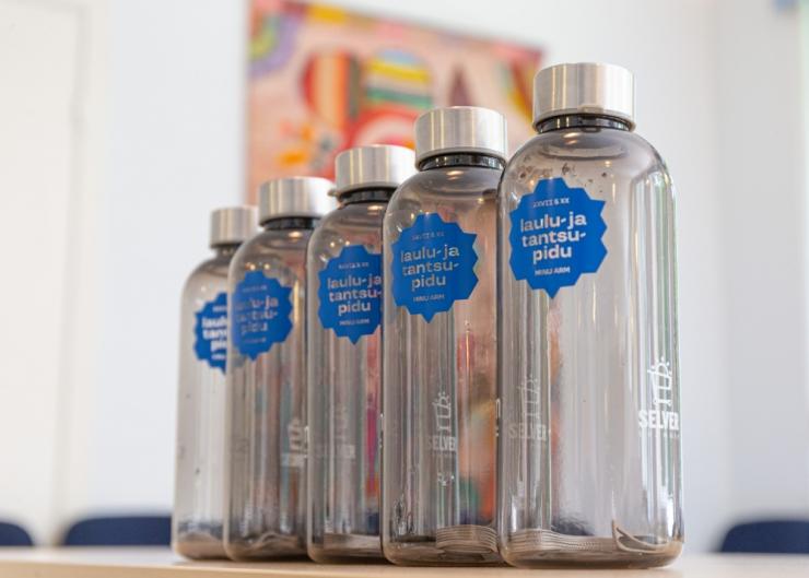 Laulu- ja tantsupeolistele jagatakse välja enam kui 45 000 korduvkasutatavat veepudelit