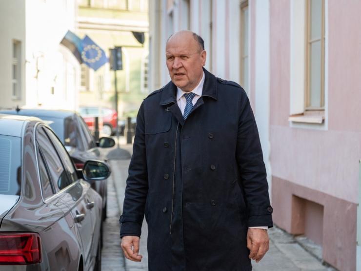 Tallinna Ülikool ootab siseminister Helmelt selgitusi kriitika kohta