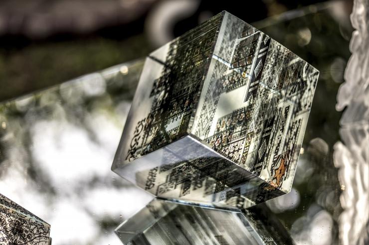 Tallinn mälestab klaasikunstnik Ivo Lille matusetoetusega