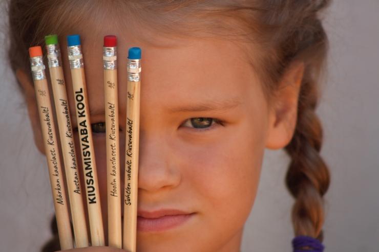 Heategevuslike harilike ostuga saab toetada kiusamise vähendamist Eesti koolides