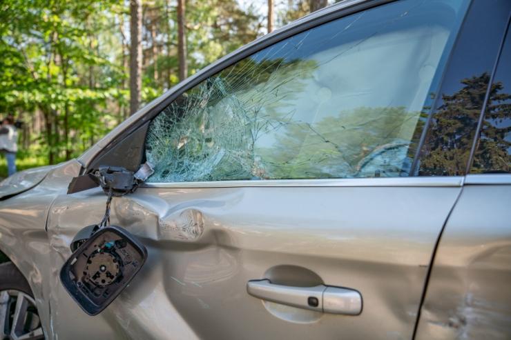 Lääne-Virumaal hukkus sõiduauto ja veoauto kokkupõrkes inimene