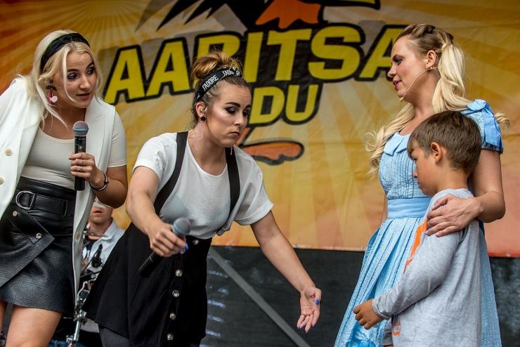 VAATA GALERIID JA VIDEOT! Aabitsapeol aitas kooliaastat alustada ansambel Öed