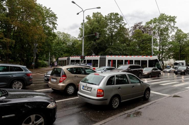 Vastuoluline statistika: eestlane kindlustab auto, aga mitte elu