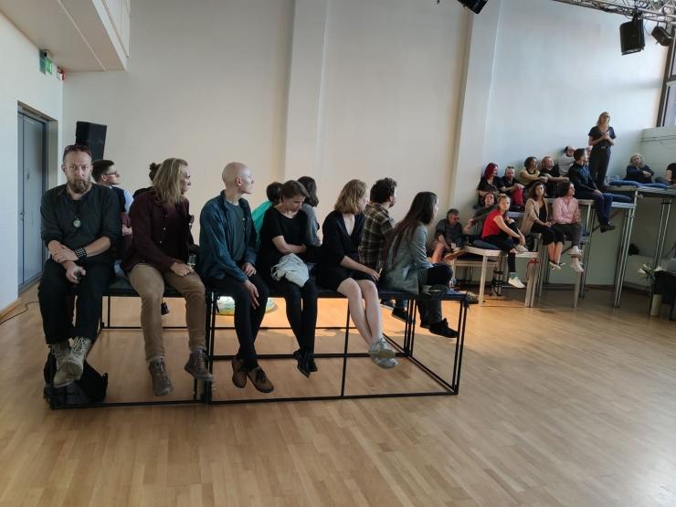VAATA VIDEOT JA FOTOSID: Sõltumatu Tantsu Lava avas uue hooaja koreograafiraamatu esitlusega