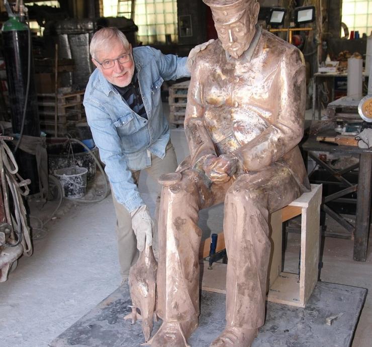 Nõmmel avatakse tukkuva jaamaülema skulptuur