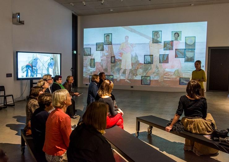 """GALERII: EKA esitleb Dolores Hoffmanni Rahu kinost päästetud fresko """"Hommik"""" fragmente"""