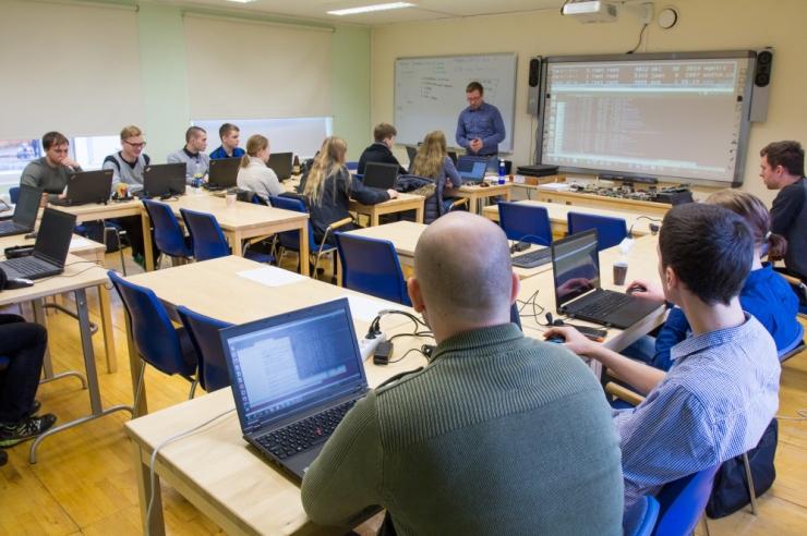 Uuring: ligi 60 protsenti digitalentidest on valmis Eestist lahkuma