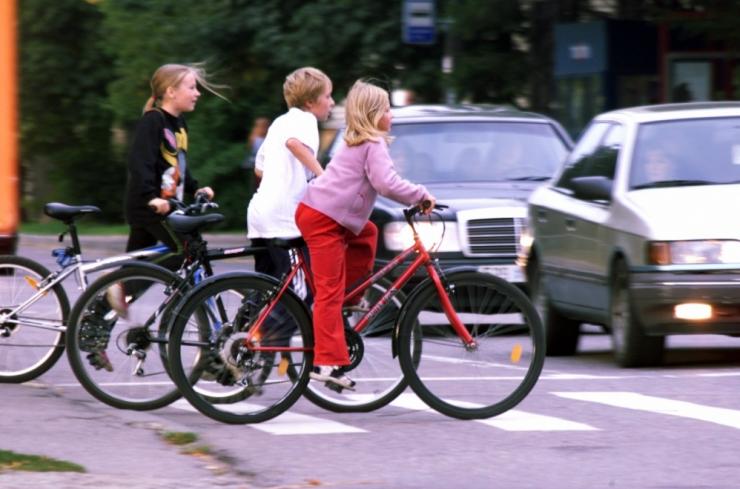 Riik muudab liiklemise ohutuks ja tervislikumaid liikumisviise toetavaks