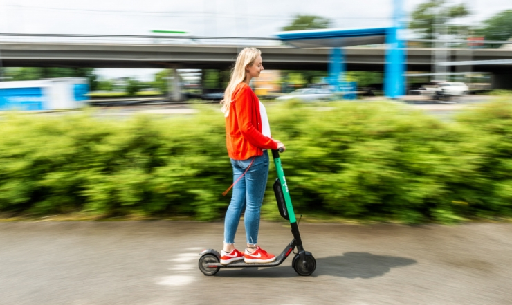 Tallinn soovib elektritõukerataste kiiruspiiranguks 20 km/h