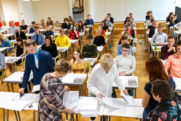 Uus eelnõu lõpetab jõustumisel põhikooli riiklikud lõpueksamid