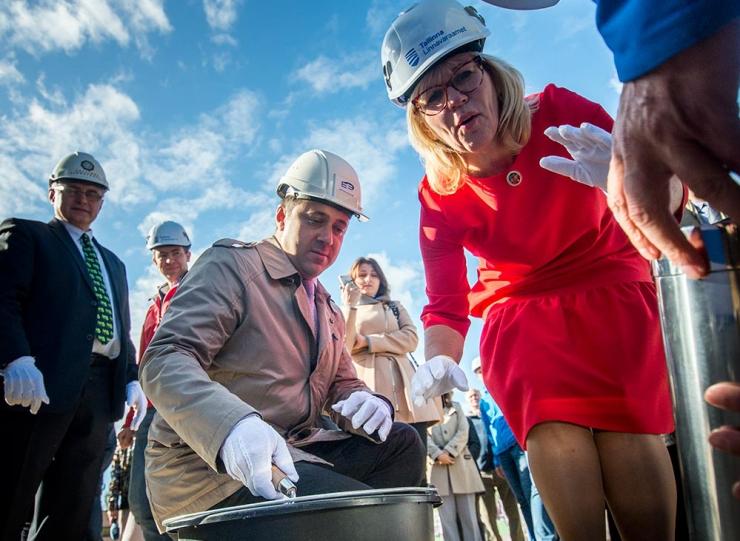 GALERII: Tallinna Linnateatri tootmiskompleks sai nurgakivi