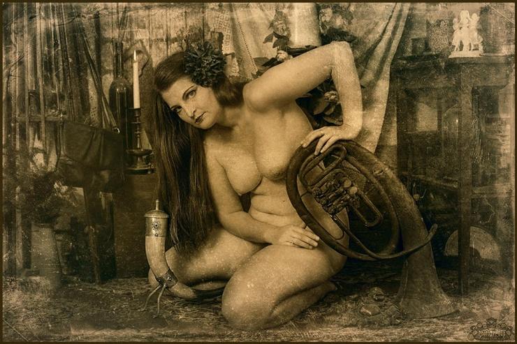 Mats Õuna juubelinäitus köidab kauniste kurvidega