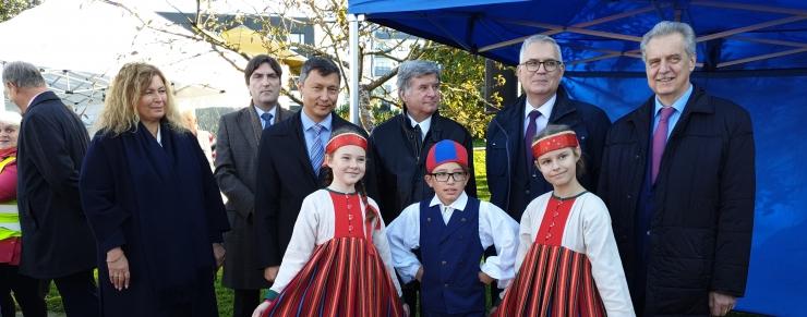 VIDEO JA FOTOD! Peterburi linn kinkis Tallinna lastele mänguväljaku