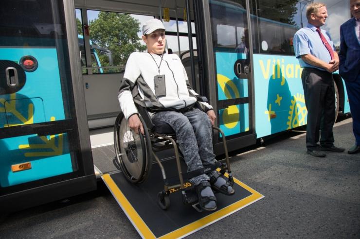 Riik parandab puuetega inimeste juurdepääsu ühistranspordile