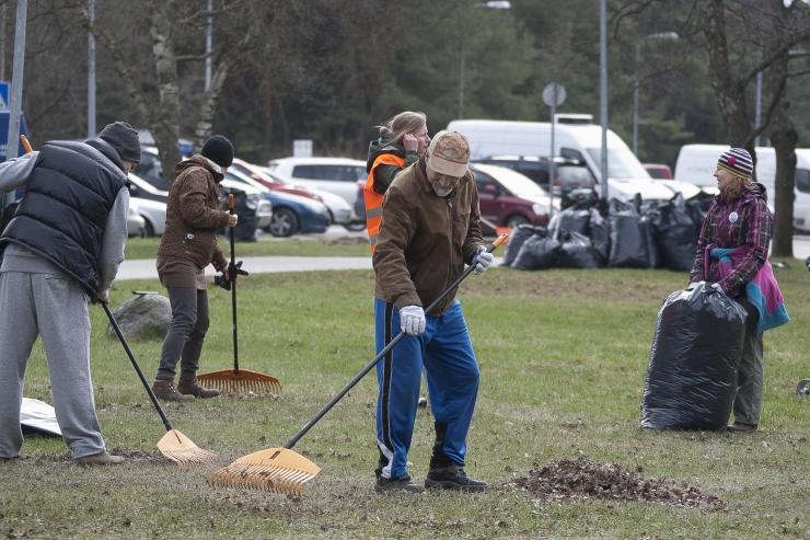 Põhja-Tallinna elanikud saavad soodsa hinnaga tellida lehekottide äravedu