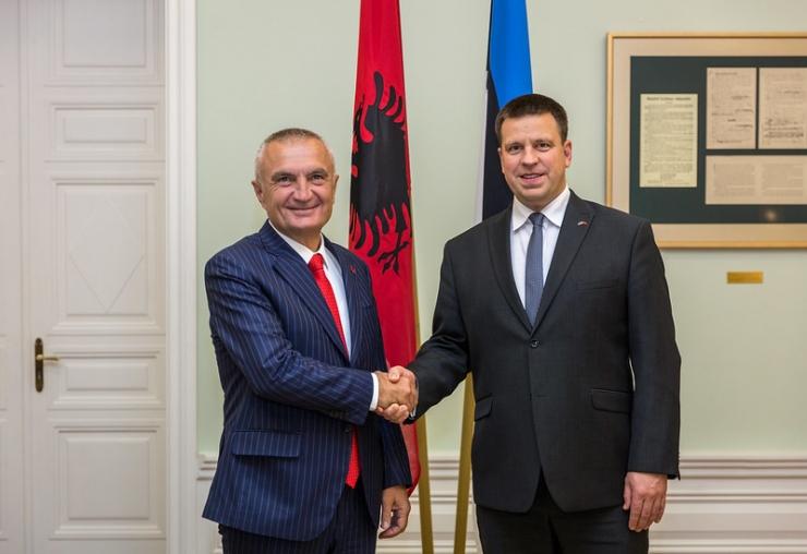 Ratas: Eesti toetab Albaaniaga EL-i liitumisläbirääkimiste avamist