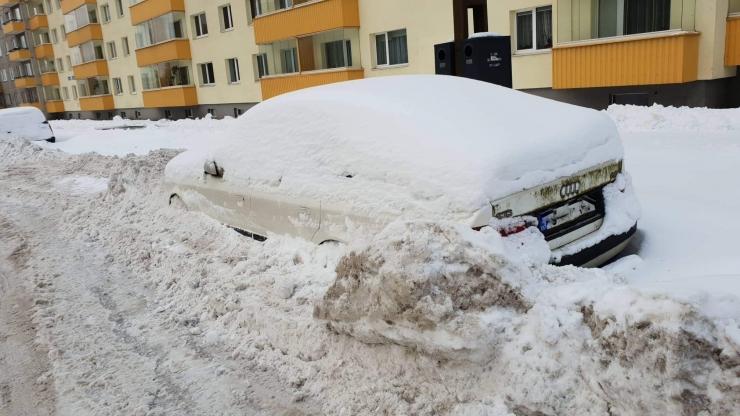 Õismäe tee välisringile kaalutakse kellaajalist parkimiskeeldu