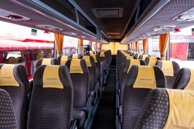Õiguskantsler: asulatest väljas sõitvates bussides peab olema turvavöö nõue