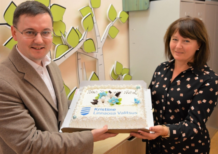 Kristiines tähistati õpetajate päeva maistva tordiga