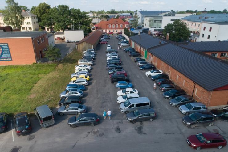Väike-Õismäel sai 70 parkimiskohta seisma jäänud autodest vabaks