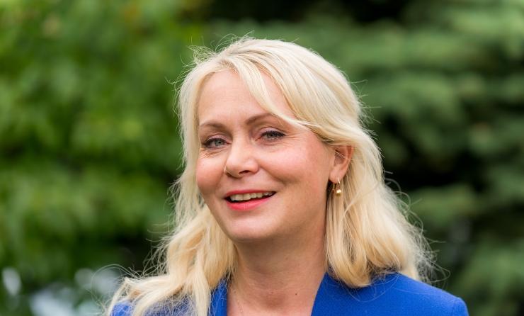RIINA SOLMAN: Noored pered vajavad kodu loomiseks riigi tuge