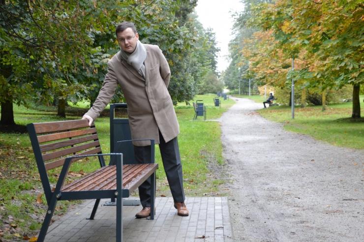Kristiine pargid ja rohealad saavad uue linnamööbli