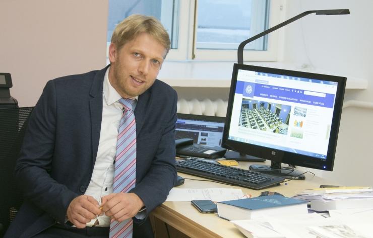 Karilaid: Madis Müller võiks vähem muretseda kommertspankade pärast