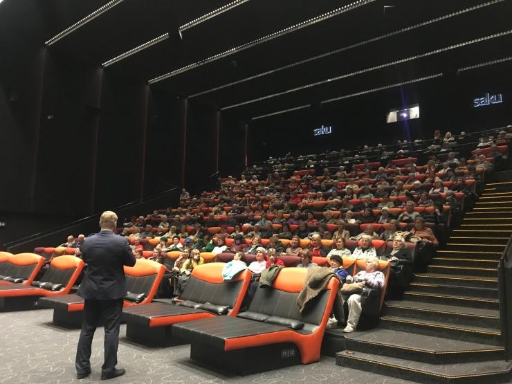 Mustamäe Kino 65+ alustas sügishooaega Pavarottiga