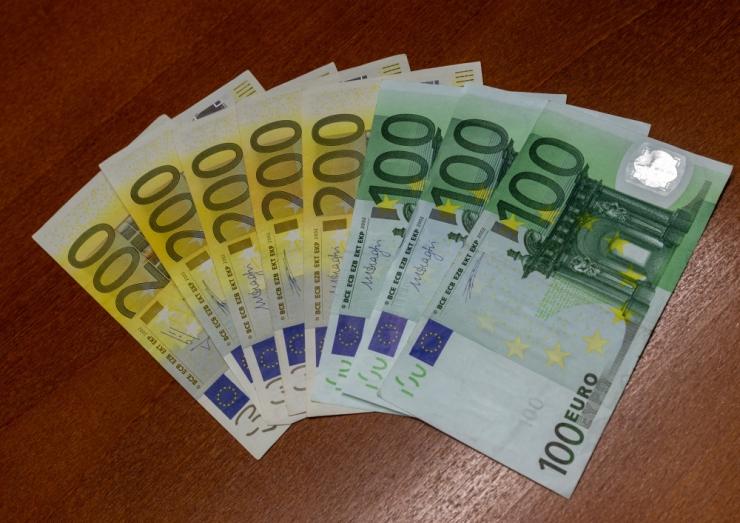 Swedbank: keskmine palk kasvab hindadest kiiremini