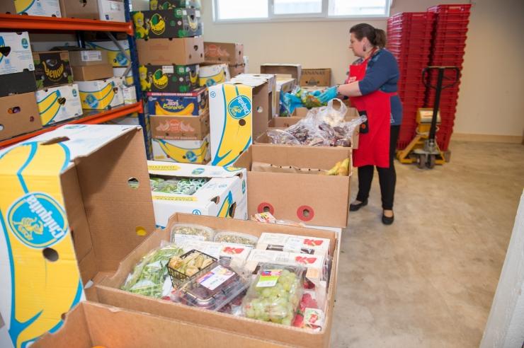 VAATA VIDEOT: Kristiine Linnaosa vabatahtlike meeskond käis Toidupangal abiks
