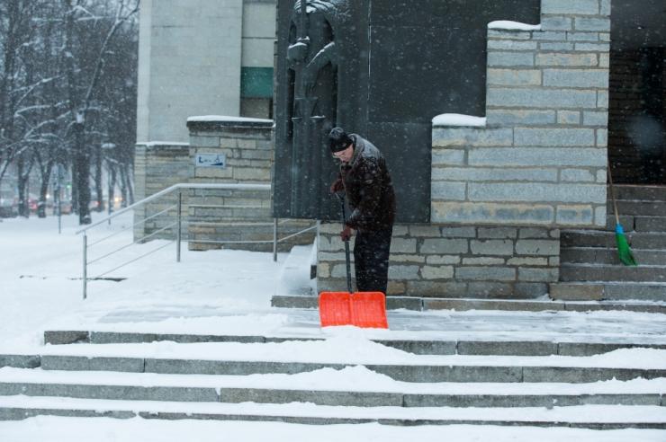 MUPO: sõlmige juba täna leping katuselt lund koristava firmaga