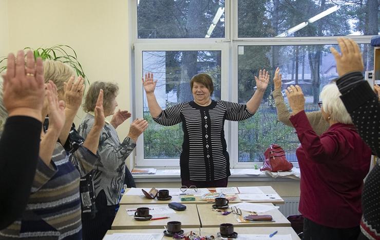Raamatukogu aitab eakatel end õnnelikuna tunda