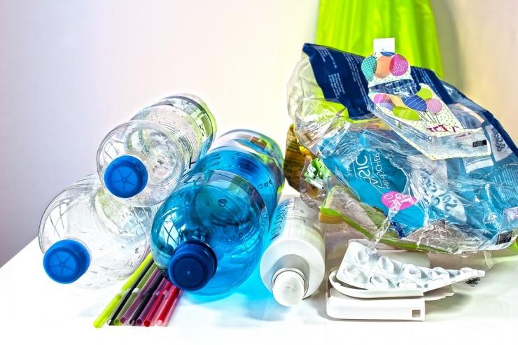 Jäätmekuubikud näitavad jäätmete liigiti kogumise vajadust