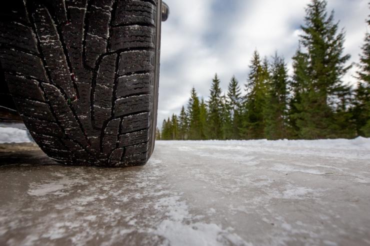 Lõuna-Eesti teedel on libeduse tõttu toimunud mitmeid avariisid