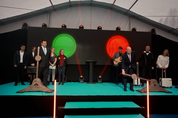 VIDEO JA FOTOD! Rail Baltica sai Eestis nurgakivi
