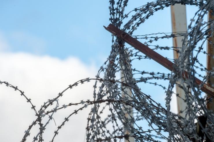 Kohus mõistis pussitaja tingimisi vangi