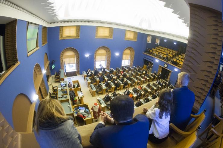 Riigikogus läbis kohustusliku kogumispensioni reformi seaduse eelnõu esimese lugemise