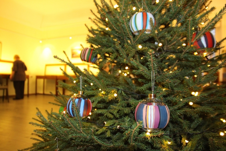 Nõmme muuseumis avati näitus Stenbocki maja jõulukuuse ehetest
