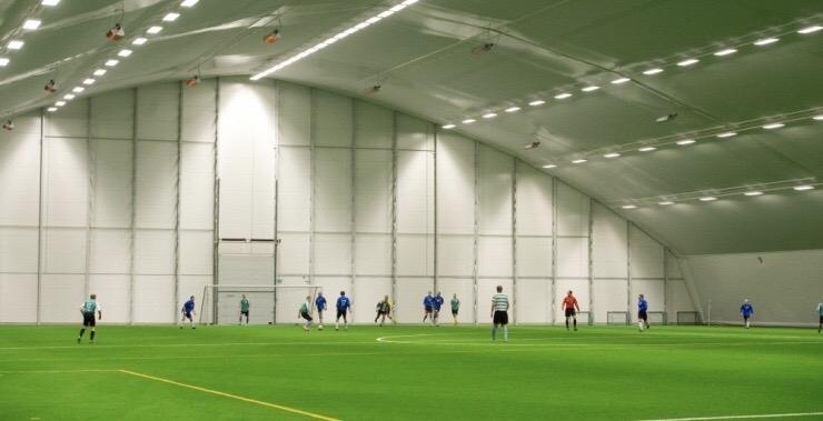 Nelja Eesti linna ehitatakse multifunktsionaalsed jalgpallihallid
