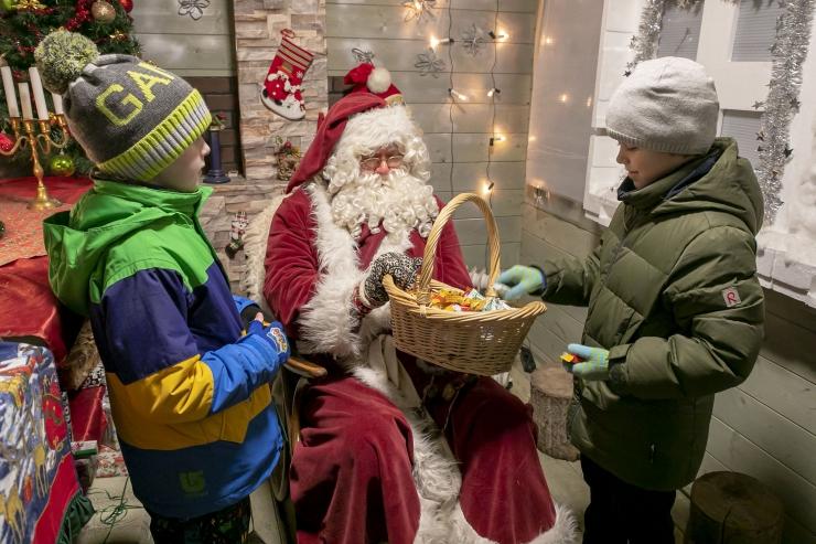 VIDEO JA FOTOD! Jõuluvana ootab kõiki külla Löwenruh' pargis