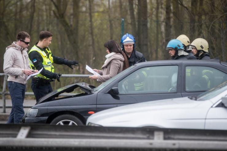 Tallinnas Sossi mäel segab liiklust avarii