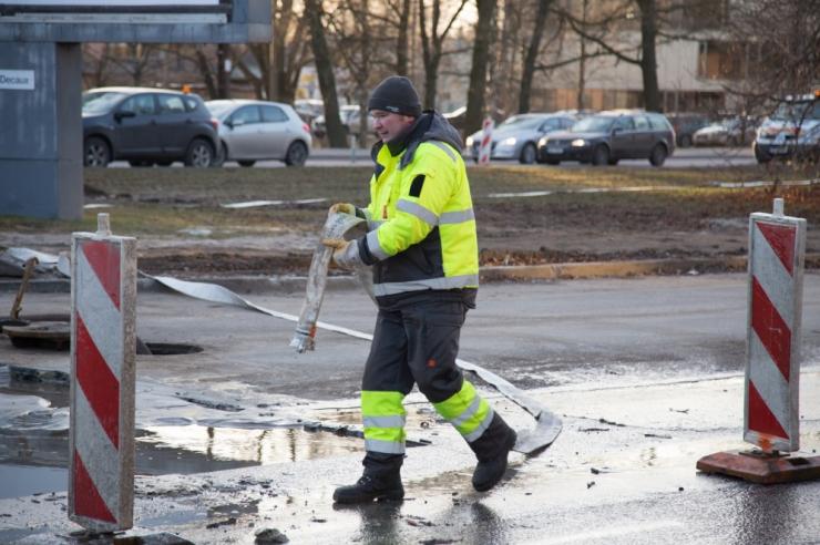 Veeavarii piirab Randla tänaval liiklust
